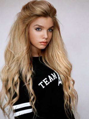Trendy Long Natural Wavy Hairstyle Lace Front Wig