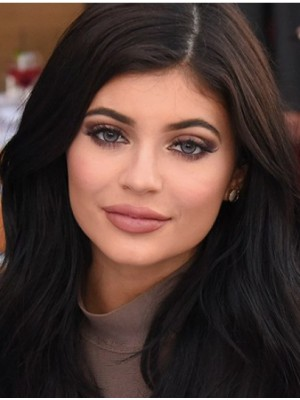 """Layered Wavy 14"""" Trendy Kylie Jenner Wigs"""